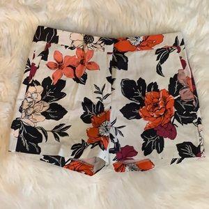 ♥️ EUC- Ann Taylor™️ Floral Devin City Shorts.